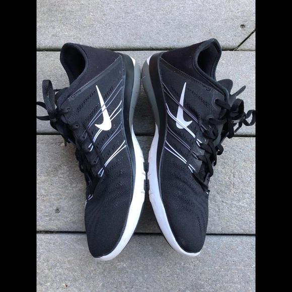 7501482070ea Nike Free TR 6 Black White Grey Women s Shoes S2. M 5aa486819a9455f2fab299d0